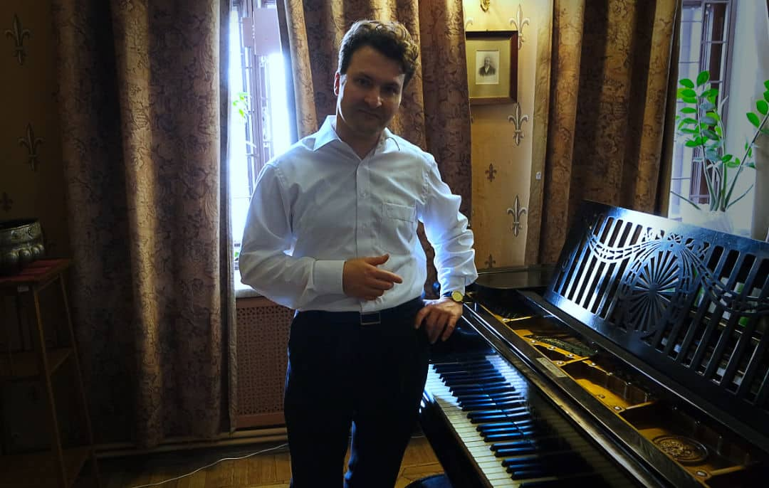 Lars Nelissen Scriabin Museum Moscow at the piano